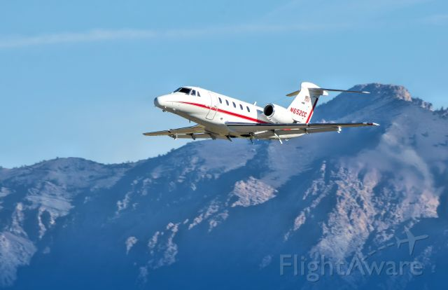 Cessna Citation III (N652CC) - Leaving Ogden Airport to the South.