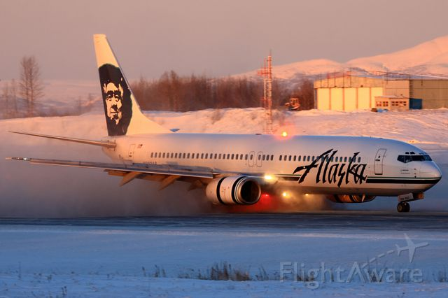 Boeing 737-900 (N302AS) - Just some great light to start the day off up in Anchorage. Really having a hard time figuring out what my favorite shot was from this year. This definetly is up there.