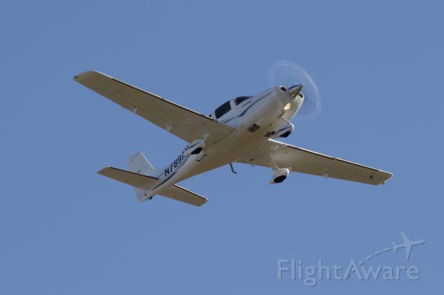 Cirrus SR-22 (N789AM) - Departing RWY 32 at SANFORD SEACOAST RGNL AIRPORT (SANFORD, ME) SFM