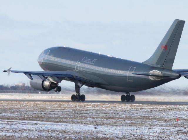 Airbus A310 (N15002)
