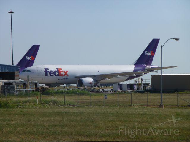 Airbus A300F4-600 (N683FE)