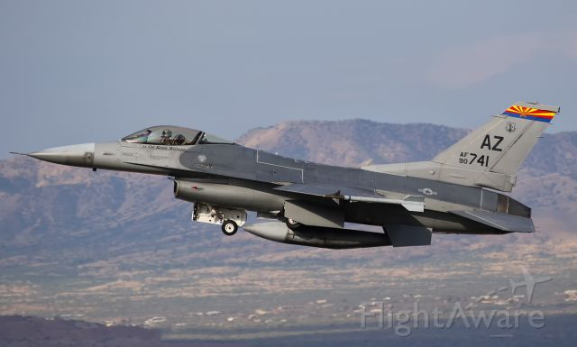 Lockheed F-16 Fighting Falcon (90-0741)