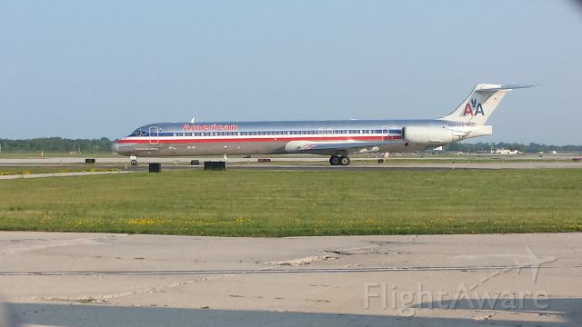 McDonnell Douglas MD-82 (N472AA) - Another career American Airlines jet, originally delivered 10/11/88, she is seen here lining up to take-off at General Mitchell International. Picture taken 7/9/15.