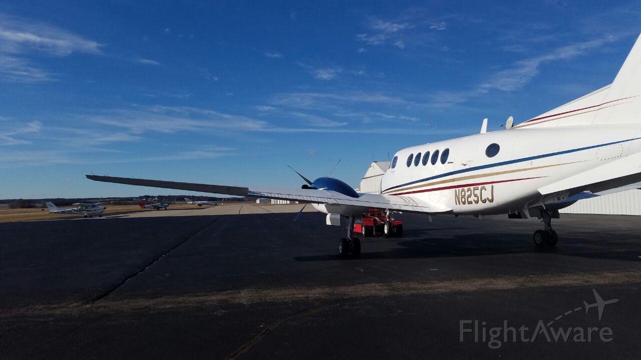 Beechcraft Super King Air 200 (N825CJ)