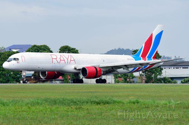Boeing 757-200 (9M-RYA)