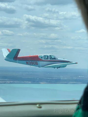 Beechcraft 35 Bonanza (N390B)