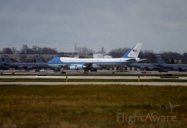 Boeing 747-200 (N28000) - A potential