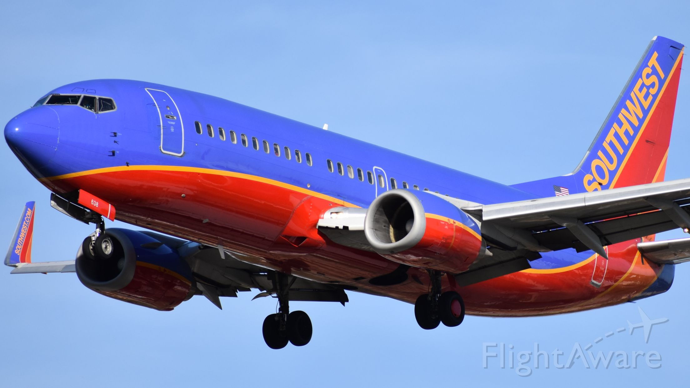 BOEING 737-300 (N638SW)