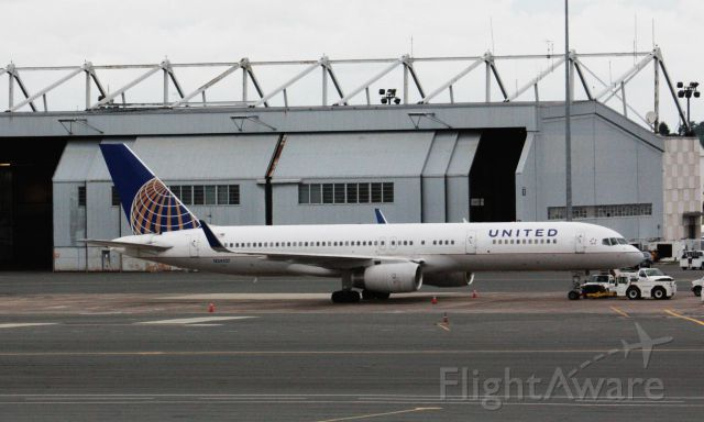 Boeing 757-200 (N34137) - EWR weather diversion on 7/29