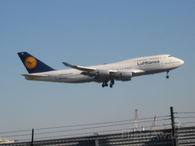 Boeing 747-200 (D-ABVS)