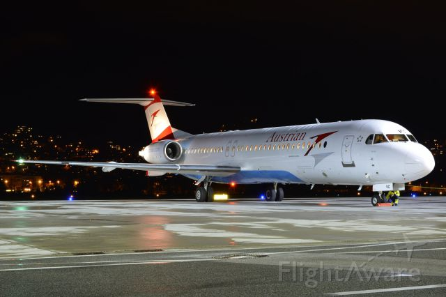 Fokker 100 (OE-LVC) - before take-off to Vienna