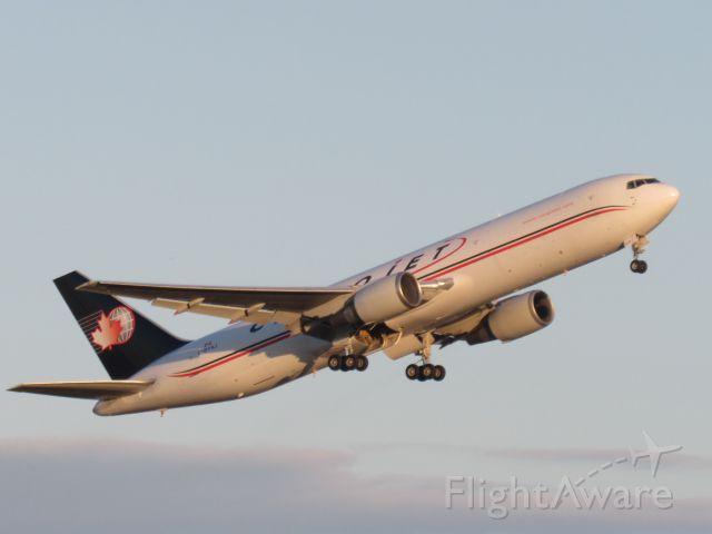 BOEING 767-300 (C-GYAJ)