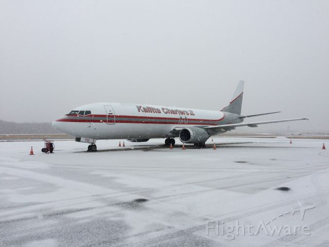 BOEING 737-400 (N732CK) - Welcome to BDL Kalitta Charters..