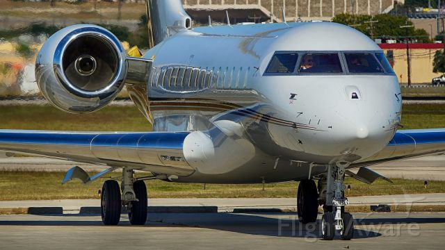 Bombardier Global Express (N155QS)