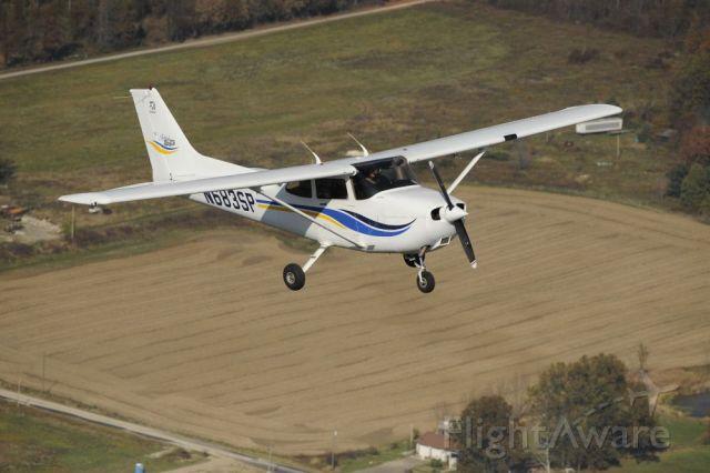 Cessna Skyhawk (N683SP)
