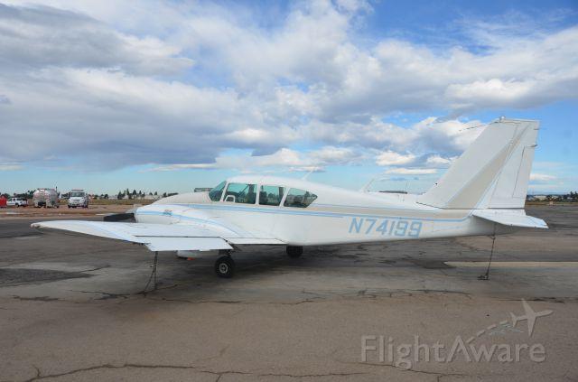 Piper Apache (N74199)