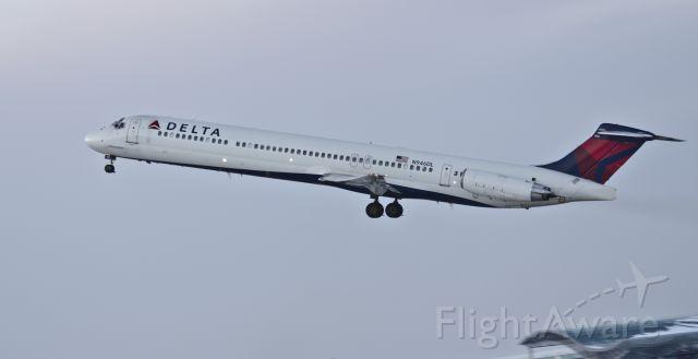 McDonnell Douglas MD-88 (N946DL)