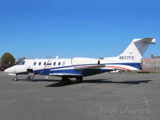 Learjet 40 (N617FX)