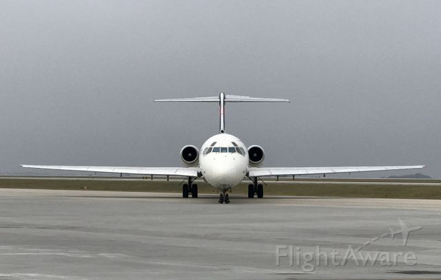 McDonnell Douglas MD-88 (N913DL)