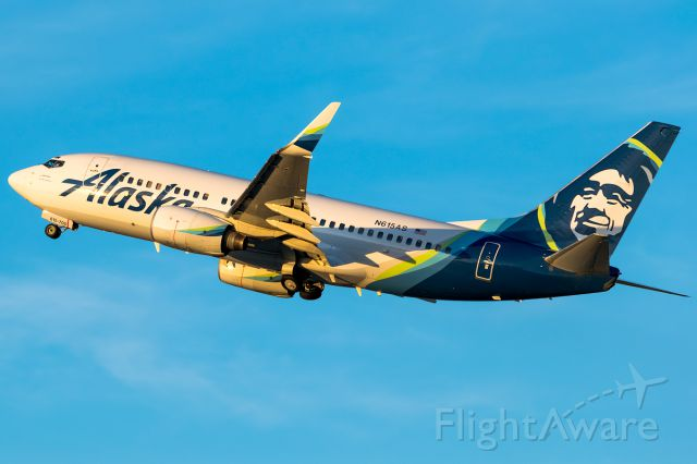 Boeing 737-700 (N615AS) - Early morning departure back to Seattle for this Alaska Airlines jet