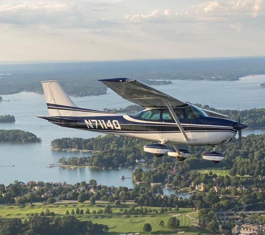 Cessna Skyhawk (N7114Q) - Flying over Lake Tillery