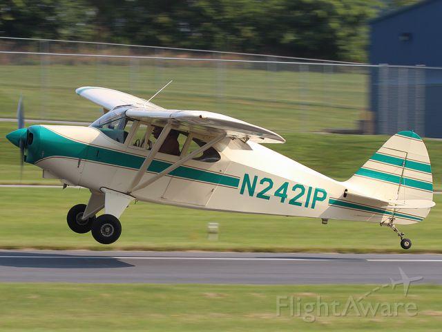 Piper PA-22 Tri-Pacer (N2421P)