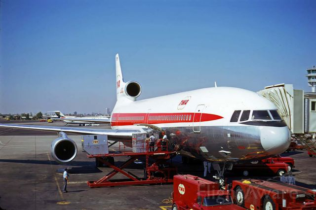 Lockheed L-1011 TriStar (N31014) - TWA Lockheed L-1011-1 N31014 at Phoenix Sky Harbor on November 10, 1973.