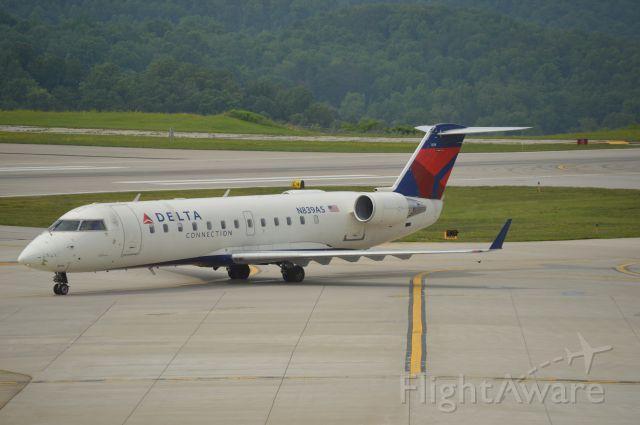 Canadair Regional Jet CRJ-200 (N839AS)