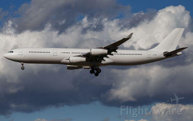 Airbus A340-300 (9H-SOL)