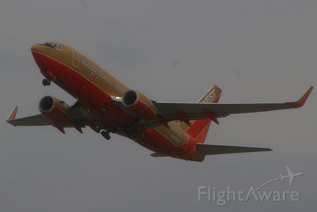 Boeing 737-700 (N753SW) - 04-05-2007