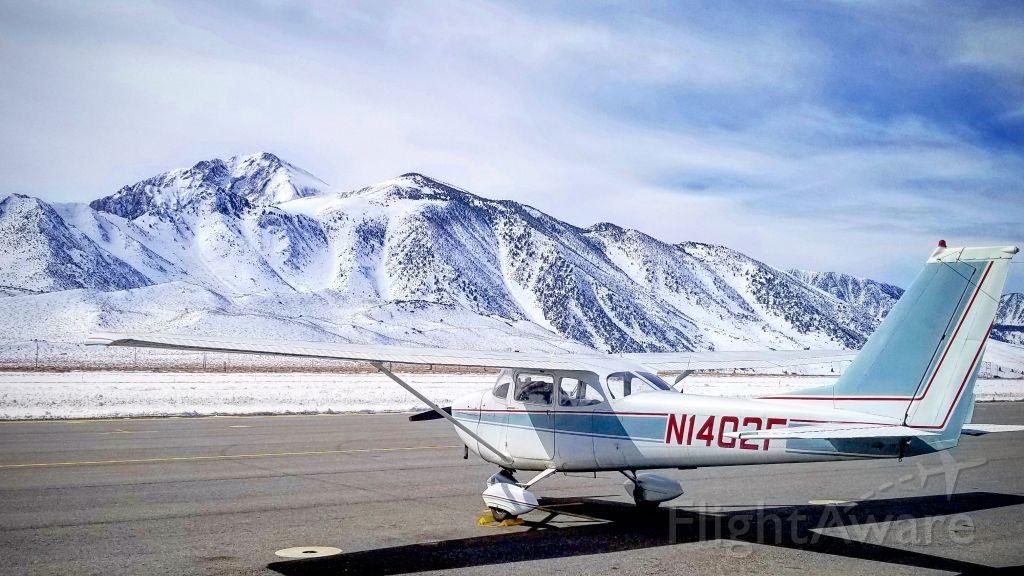 Cessna Skyhawk (N1402F)