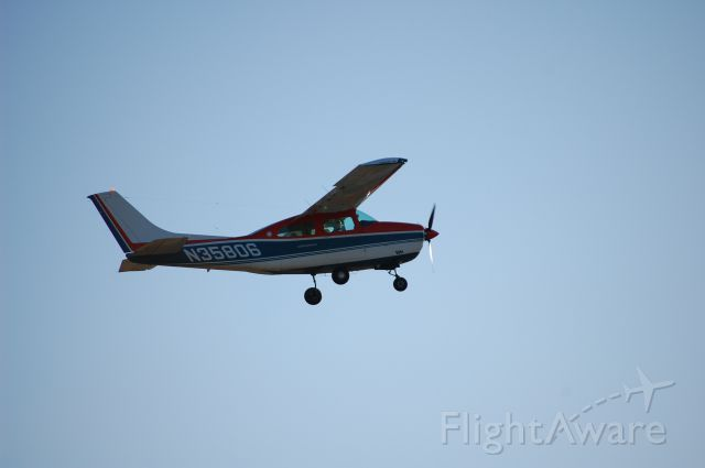 Cessna Centurion (N35806)