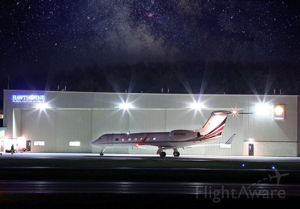 Gulfstream Aerospace Gulfstream V (N528QS) - Long exposure.