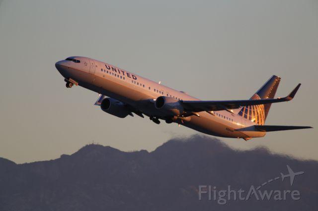 Boeing 737-900 (N38454)