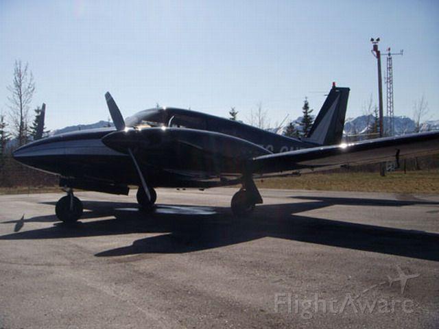 Piper PA-30 Twin Comanche (C-GNFC)