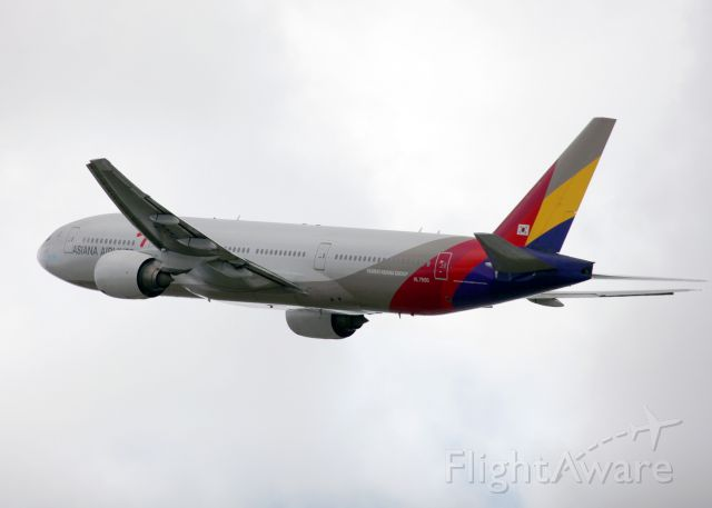 Boeing 777-200 (HL7500)