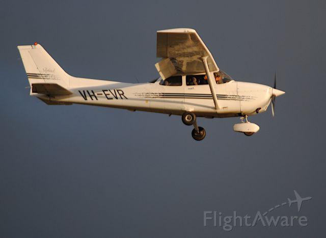 Cessna Skyhawk (VH-EVR)