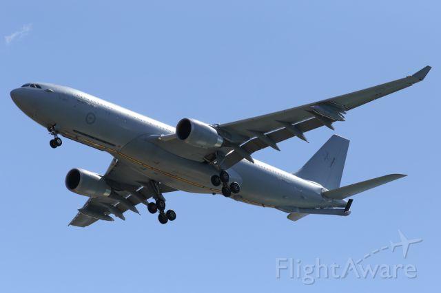 Airbus A330-200 (A39003) - RAAF A332 MRTT, on final approach.