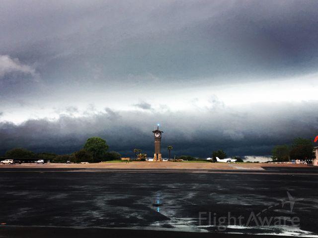 — — - Storm Approaching Horseshoe Bay Resort JetCenter (KDZB)