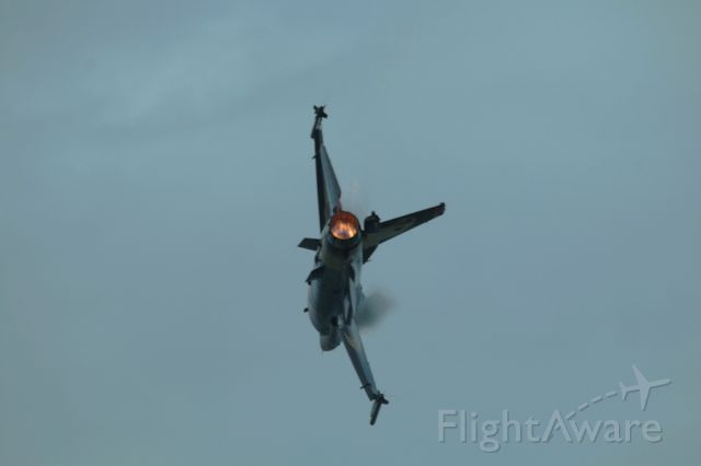 Lockheed F-16 Fighting Falcon — - 132 ND SQUADRON TEAMS, DEMO TEAM SOLOTURK. TURKISH AIR BASE