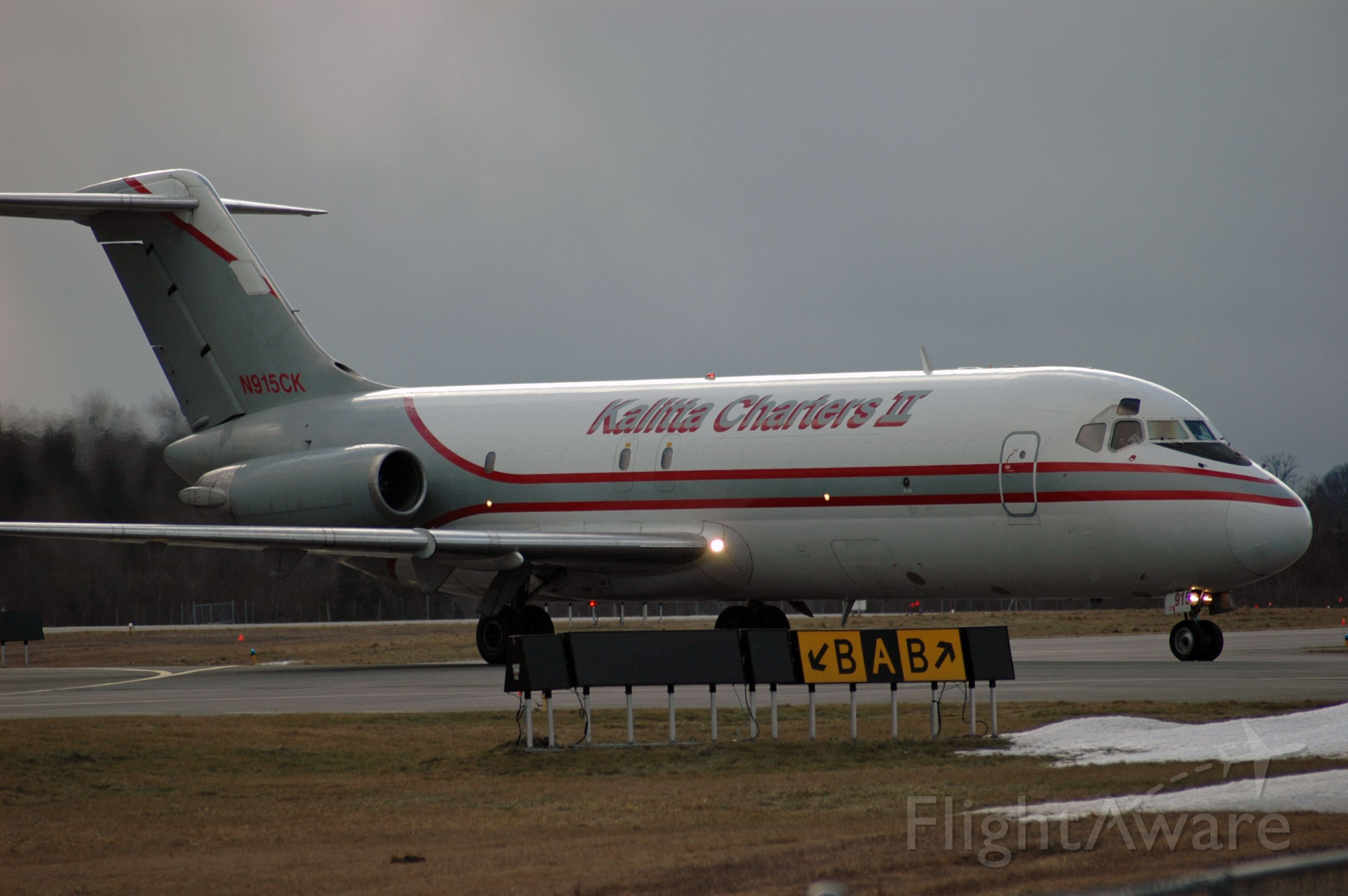 Douglas DC-9-10 (N915CK) - McDonnell Douglas DC-9-15F arrving in the early evening at CYPQ (Feb 5, 2016)