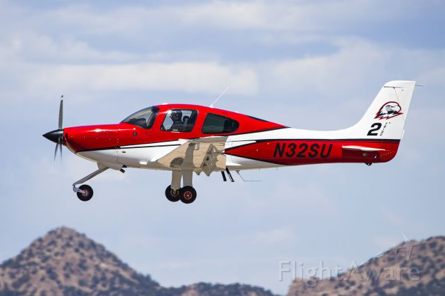 Cirrus SR-20 (N32SU) - That me flying with my instructor doing a go-around!
