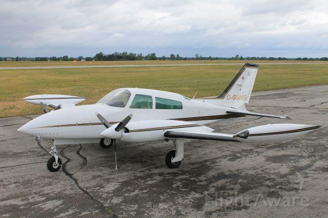 Cessna 310 (C-GSHS)