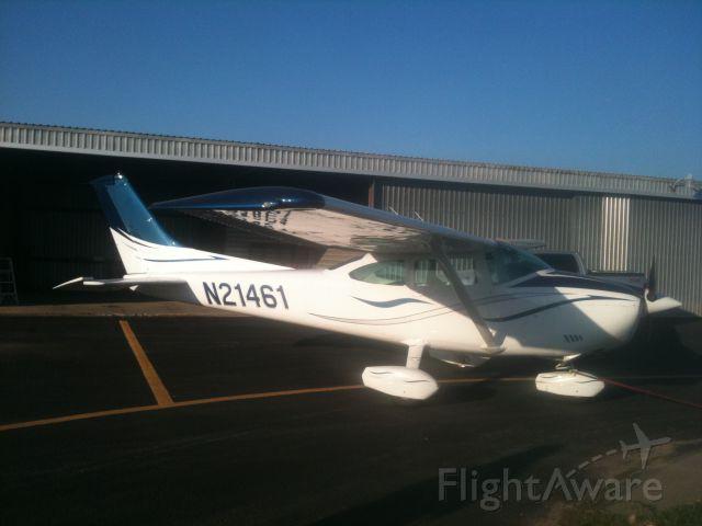Cessna Skylane (N21461)