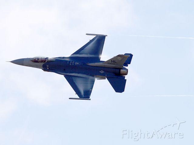 Lockheed F-16 Fighting Falcon (N880521)