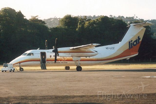 de Havilland Dash 8-100 (V2-LCZ) - Seen here in Dec-88.br /br /With LIAT from Sep-86 to Sep-01 when it became C-FEML.br /Registration cancelled 21-Dec-01. Broken up at CEA3.