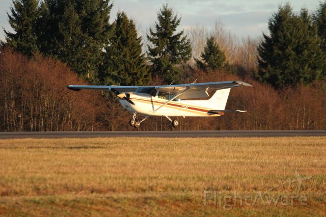Cessna Skyhawk (N758FK) - Waited for the Dreamlifer, and this plane landed.