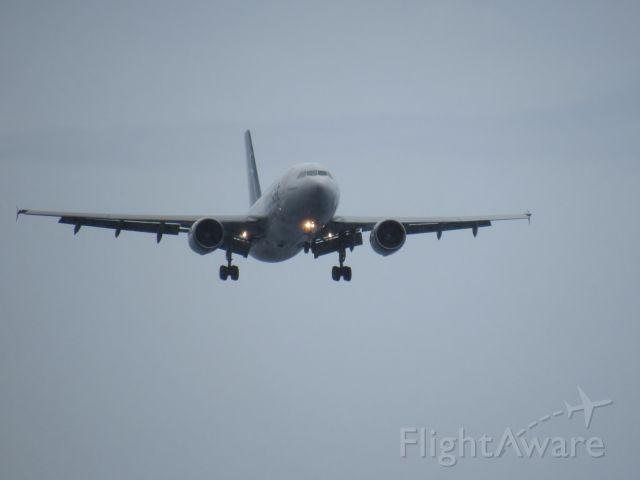 Airbus A330-300 (C-GTSF) - Landing at St. Martin on Dec 31st 2016.