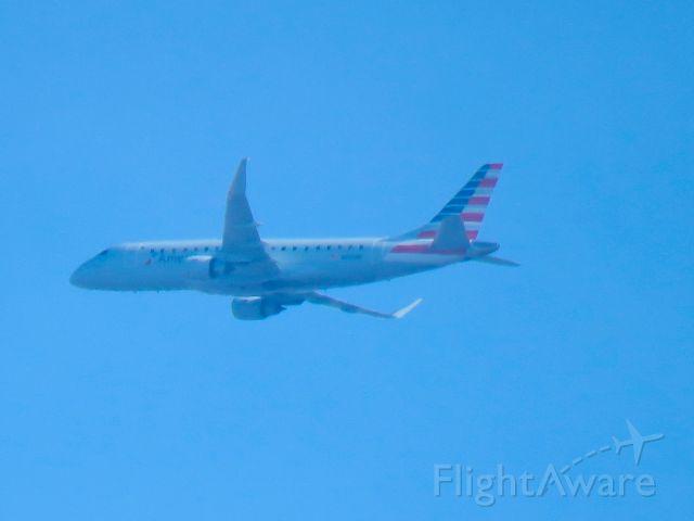 Embraer 170/175 (N250NN)