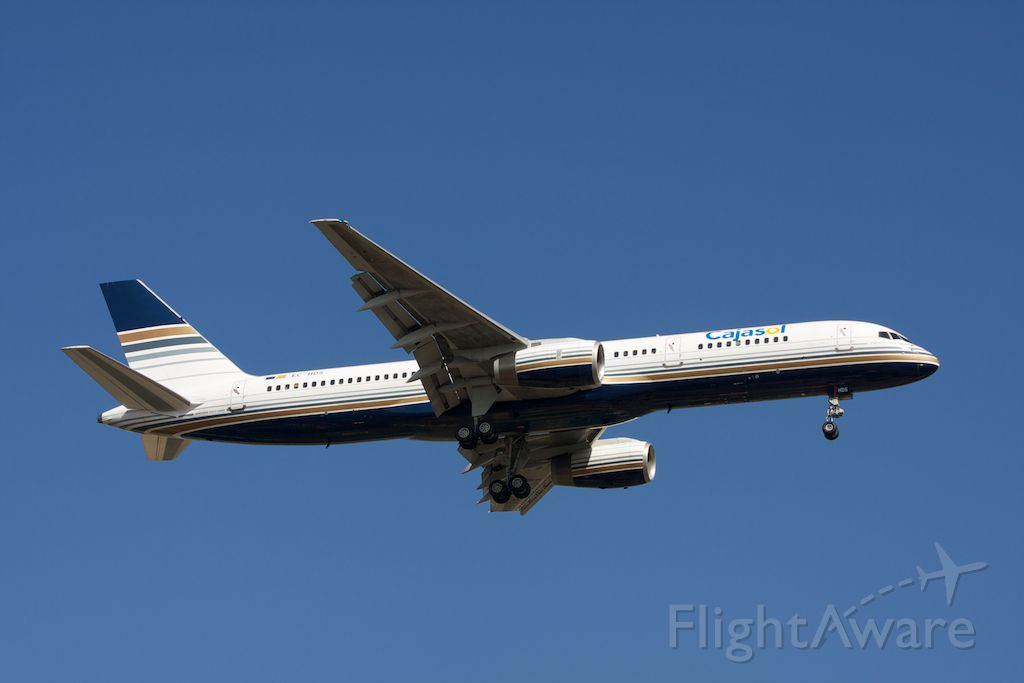 Boeing 757-200 (EC-HDS) - Privilege Style Charter landing 07 to Treviso Sant